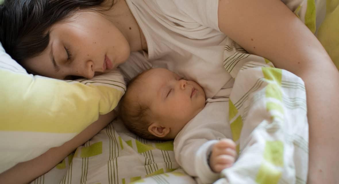 Doit-on « apprendre à dormir » aux enfants ?