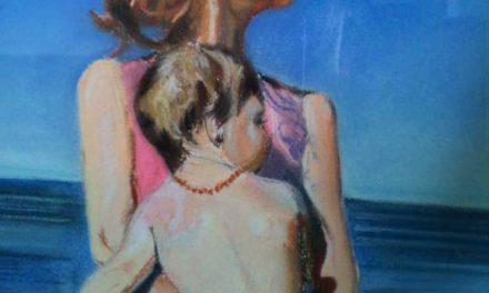 Mère et enfant à la mer