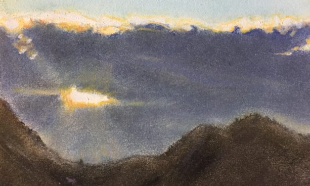 Lever de soleil nuageux sur les Pyrénées